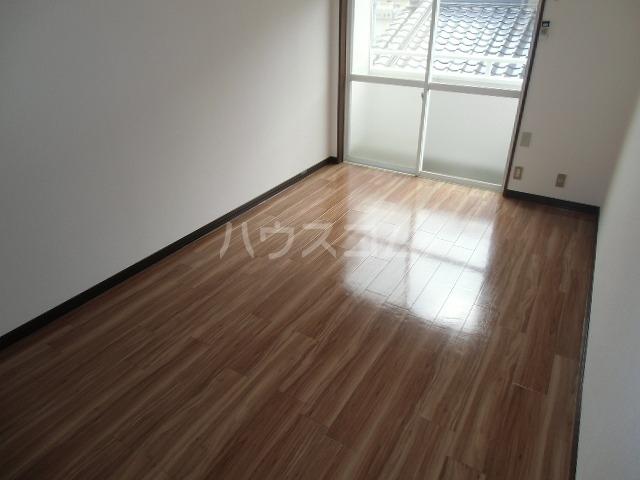 ビレッジ半城土 202号室の居室
