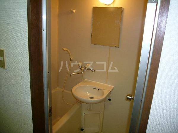 ビレッジ半城土 202号室のトイレ