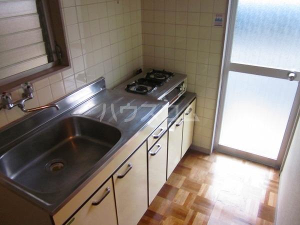 石本ハイツ 101号室のキッチン