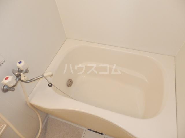 石本ハイツ 101号室の風呂