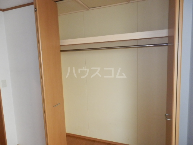 石本ハイツ 101号室の収納