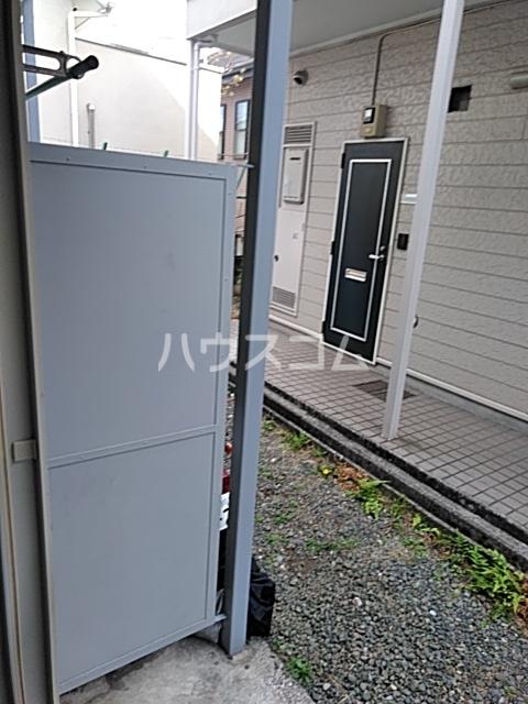 ベルハイツA棟 106号室の玄関