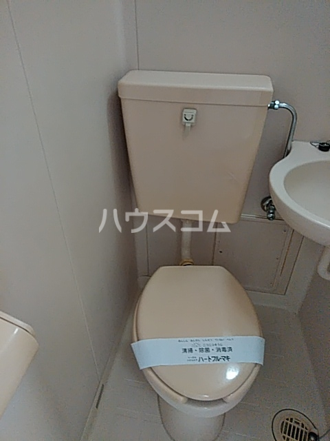 ベルハイツA棟 106号室のトイレ