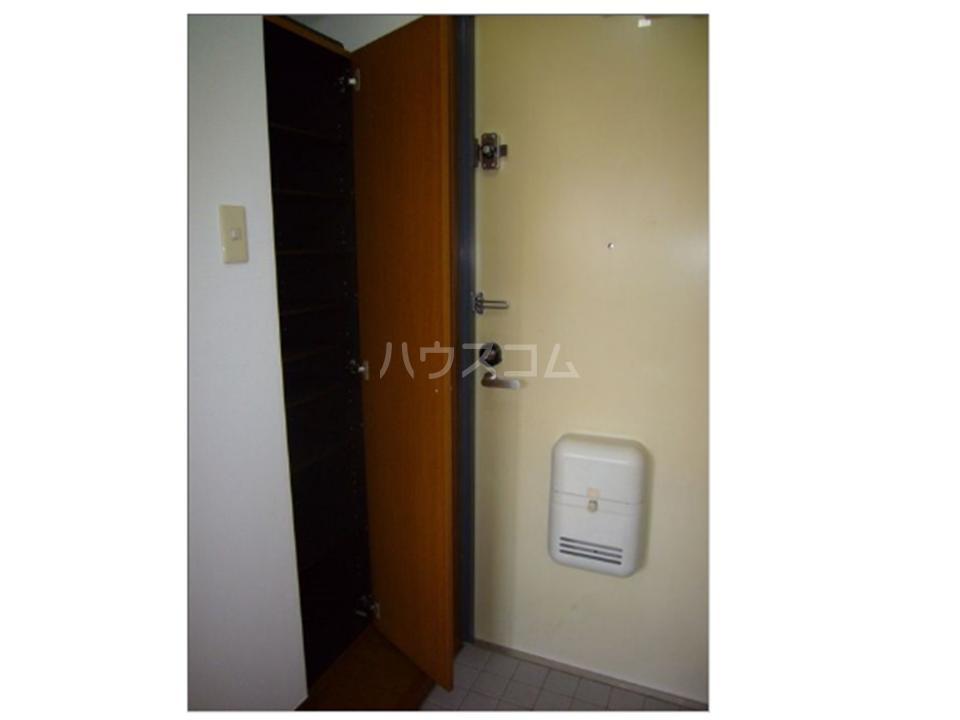 BLD T&T 301号室の玄関