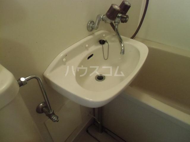 シャトルジュン 204号室の洗面所