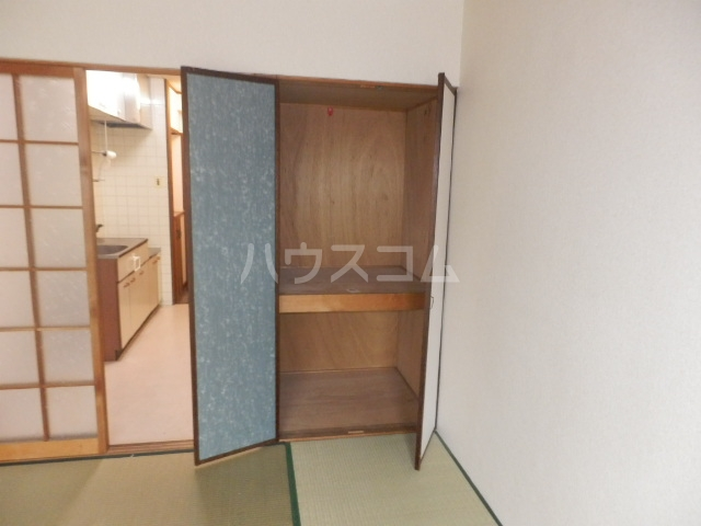 ペンションモリ 302号室の収納