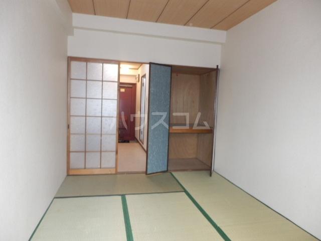 ペンションモリ 302号室の居室
