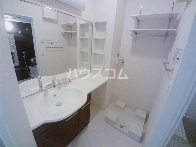 パーシモンⅢ 103号室の洗面所