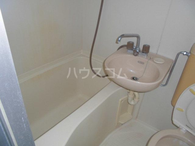 ラヴェンダー保谷 306号室の風呂