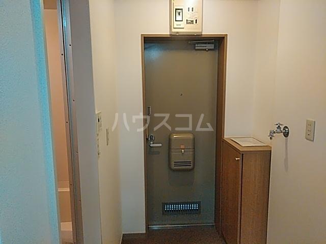 HI-FLEX洗足池 102号室の玄関