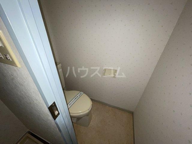 フラットD 103号室のトイレ