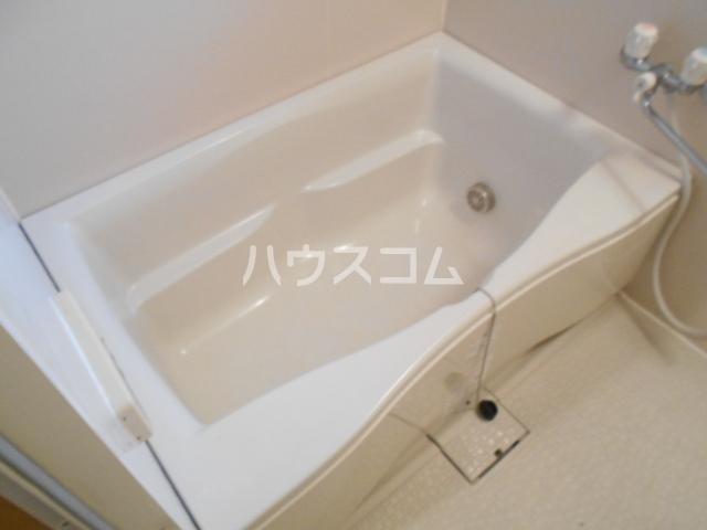 クアトロロッソの風呂