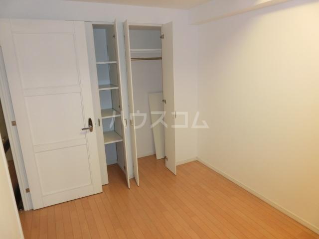 ジェイパーク渋谷神泉 305号室の居室