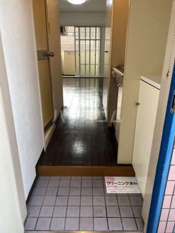 プラーズ金町 510号室の玄関