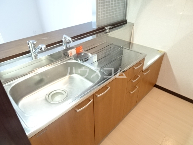 グランドハイム東中島 401号室のキッチン