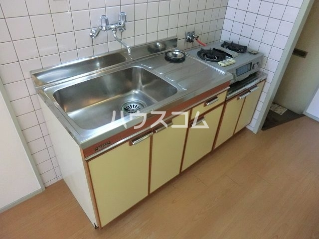 栄ハイツ 101号室のキッチン