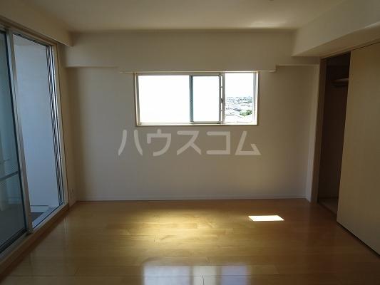 ユニテ・ド・ブラン 501号室のリビング