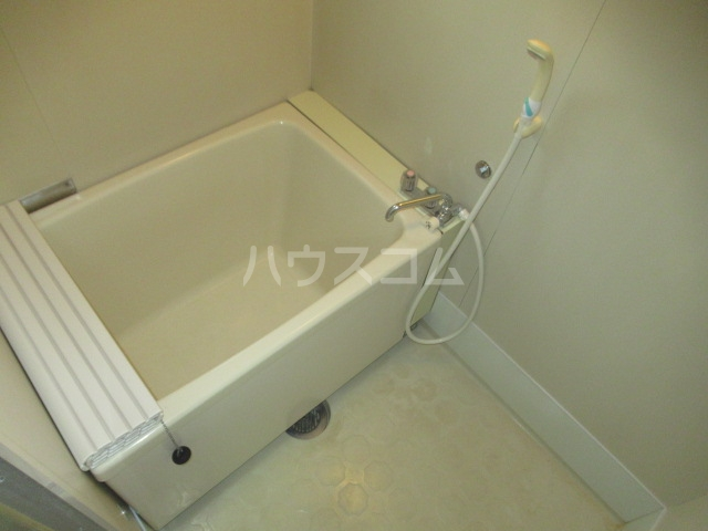 第二幸永ハイツ 201号室の風呂