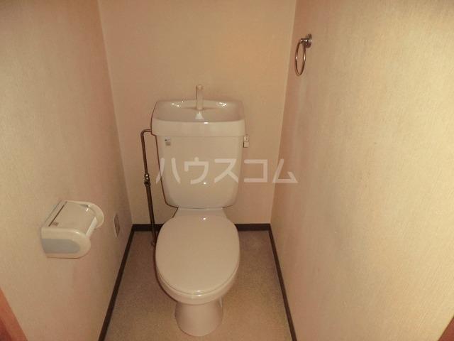 リバーパークマンション 102号室のトイレ