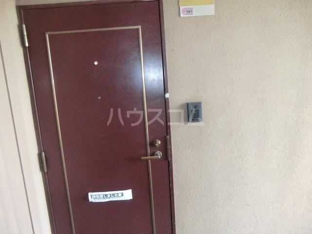 リバーパークマンション 102号室の玄関