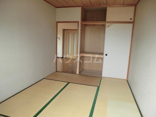 リバーパークマンション 302号室の居室