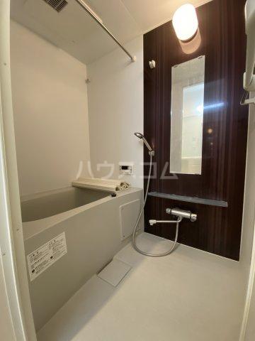 ディス・モンターニュ 102号室の風呂