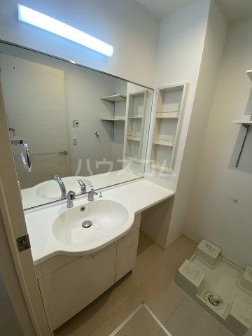 ディス・モンターニュ 102号室の洗面所