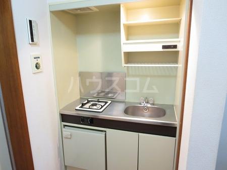 ハイツ永島 102号室のキッチン
