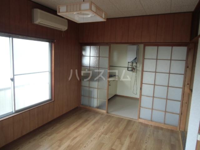 矢場荘 5号室の居室
