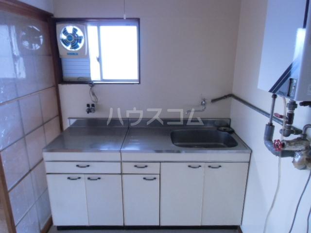 矢場荘 5号室のキッチン