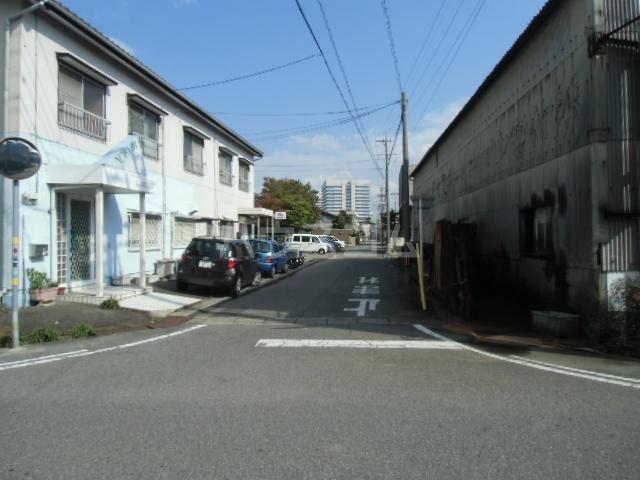 矢場荘 5号室の駐車場
