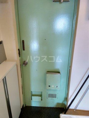 上北沢グリーンコーポ 305号室の玄関