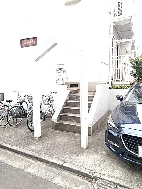 パークサイド駒沢 B-201号室のエントランス