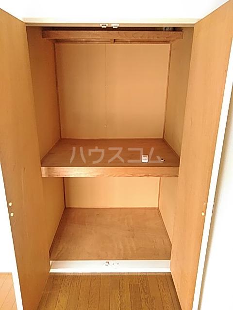 パークサイド駒沢 B-201号室の収納