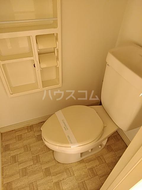 パークサイド駒沢 B-201号室のトイレ