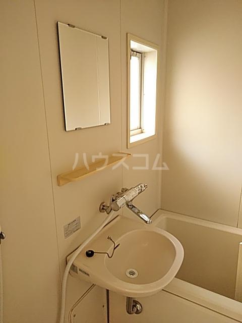 パークサイド駒沢 B-201号室の洗面所