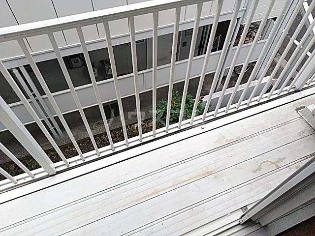 パークサイド駒沢 B-201号室のバルコニー