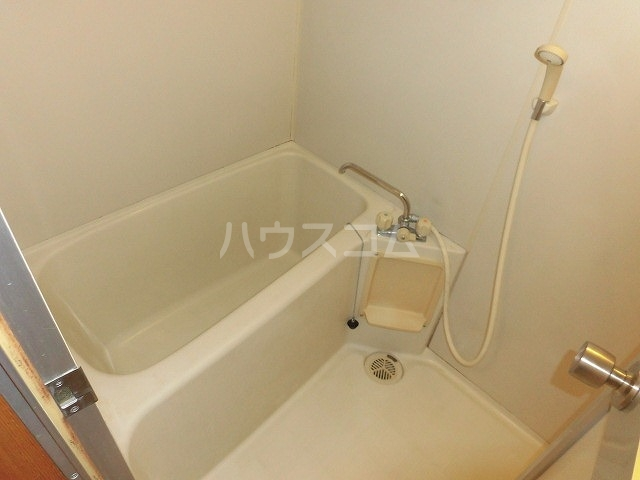 ホーメーマンション 301号室の風呂