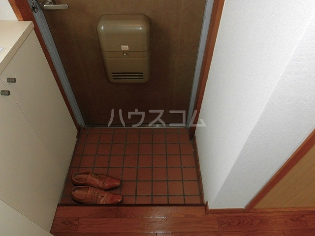 ホーメーマンション 301号室の玄関