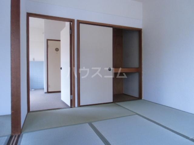 コーポ岡部Ⅰ 301号室の居室