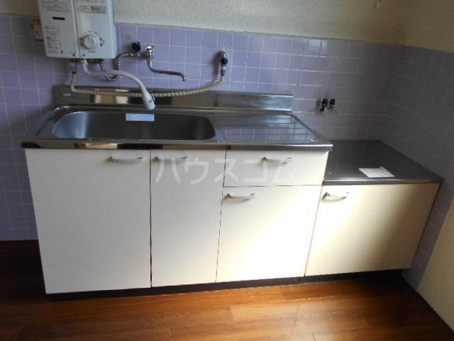 コーポ岡部Ⅰ 301号室のキッチン