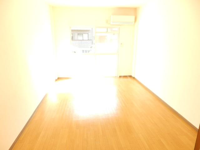 グリーンハイツ 101号室のベッドルーム