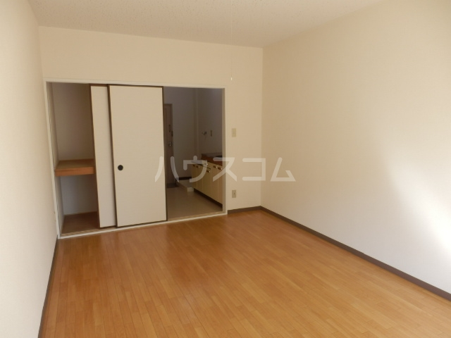 グリーンハイツ 106号室のベッドルーム