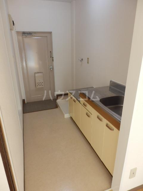 グリーンハイツ 106号室のキッチン