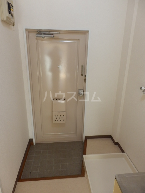 グリーンハイツ 106号室の玄関