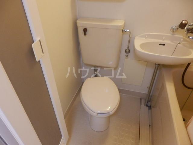 グリーンハイツ 107号室のトイレ
