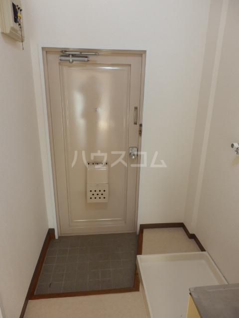 グリーンハイツ 107号室の玄関