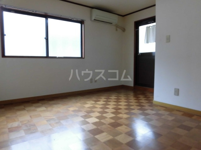 松島ビル 206号室のリビング