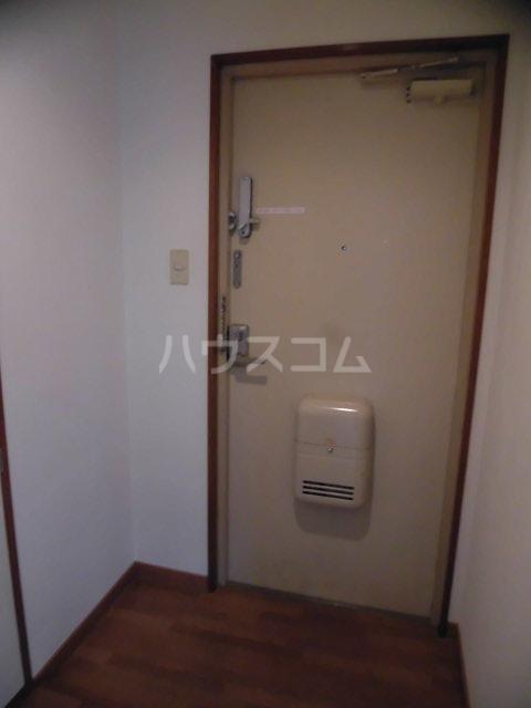 松島ビル 206号室の玄関