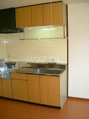 サープラスⅡ曙 201号室のキッチン